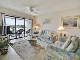Land's End #405 building 3 - Bay Front - Treasure Island vacation rentals