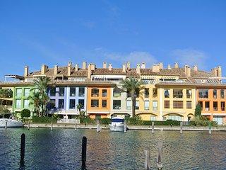 Luxurieus Waterfront Penthouse in Sotogrande - Sotogrande vacation rentals