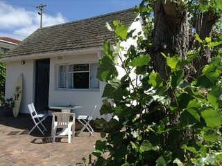 The Cozy Cottage, Constantia, Cape Town. - Constantia vacation rentals