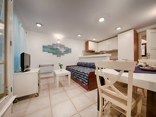 Romantic 1 bedroom Vis Apartment with Internet Access - Vis vacation rentals