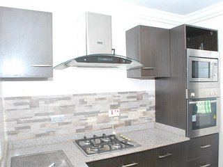 Cozy 3 bedroom Apartment in Lagos with Washing Machine - Lagos vacation rentals