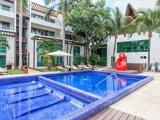 NICE APT IN VIA 38, VERY CLOSE TO THE BEACH AND THE 5TH AV! - Playa del Carmen vacation rentals