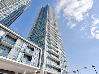 Luxury Condo by Square-One w/ Gym, Pool, Sleeps 8! - Mississauga vacation rentals