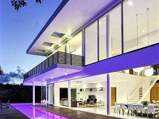 5 bedroom Villa with Deck in Praia do Forte - Praia do Forte vacation rentals