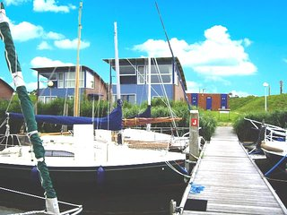 """""""Hafenhaus Seaview"""" am Jachthafen mit Seeblick auf das Lauwersmeer - Anjum vacation rentals"""