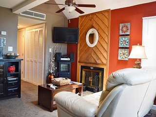 Honeymoon! View! & Sm Family, too LUXURY & BUDGET! - Gatlinburg vacation rentals