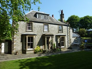 Old Vicarage B&B - Hall View - Luxury Double Own Bathroom - Tideswell vacation rentals