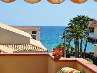 Appartamento Eucaliptus, Vista mare, terrazzo - Avola vacation rentals