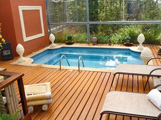 Bright 6 bedroom House in Campos Do Jordao - Campos Do Jordao vacation rentals