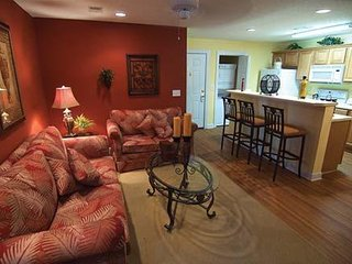 2 bed apartment, sleeps 6, set in beautiful surroundings, golfers paradise. - Murrells Inlet vacation rentals