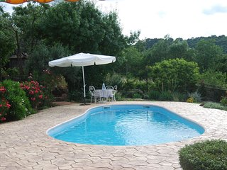 Les Pins, lovely views with private pool in a peaceful setting - Clermont L'herault vacation rentals