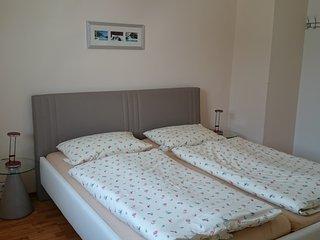 Gästehaus Conny, Heidelberger Ferienwohnung, 2 Zimmer Apartment, 2.OG - Heidelberg vacation rentals