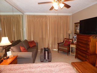 Waterfront Studio Beautiful Pirates Bay. Just Steps to Pool.  August Discounts! - Fort Walton Beach vacation rentals