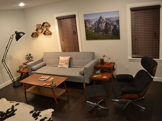 Mid-Century Studio in Midtown Tulsa Brick Cottage - Tulsa vacation rentals