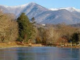 Cottage on Fifth, walk to town, lake, park, and  tennis courts. - Black Mountain vacation rentals