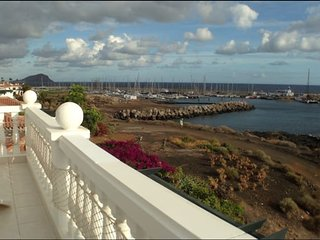 First line, 2-bed, terrace 30 sq.m above the ocean, 3 pools on the territory - Golf del Sur vacation rentals