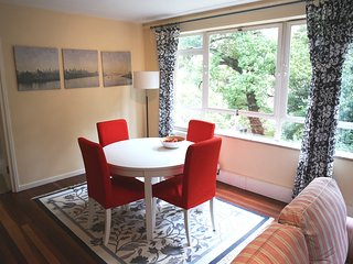 Homely 2 Bedroom Private Apartment - Sydenham vacation rentals