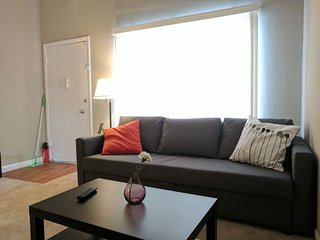Comfy, Luxurious 1 Bed Close to Stanford and VA Hospital in Palo Alto! - Palo Alto vacation rentals