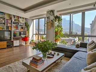 Luxury apartment with spectacular mountain views - Cape Town vacation rentals