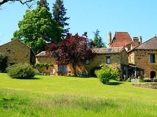 Domaine de Cournet Haut - 'La Bergerie' - Saint Pompon vacation rentals