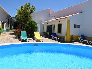 Casa Delfim - 3 Cottages & Pool - Alte vacation rentals