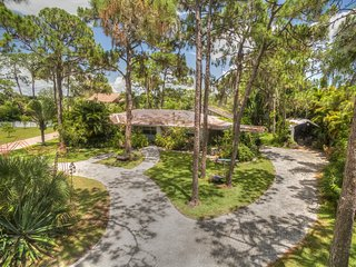 Expansive Plantation Old Florida, Park like, Pool, Cage, waterfront, treehouse - Manasota Key vacation rentals