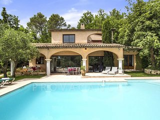 Beautiful Villa with Internet Access and A/C - Le Rouret vacation rentals