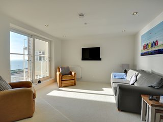 Direct seaviews, two bedroom luxury apartment - 7 Latitude West - Bournemouth vacation rentals