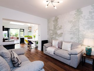 Goldstone Villas Luxury Two Bedroom Garden Flat - Hove vacation rentals