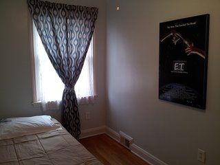 Touring Colleges or visiting Baltimore? Room close to Towson is Available. - Parkville vacation rentals