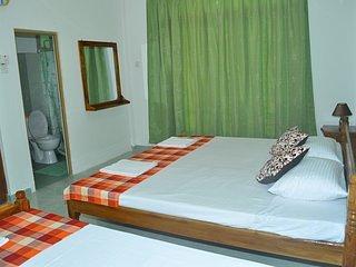 Dil Lanka Safari Resort-camera matrimoniale + letto singolo - Udawalawa vacation rentals