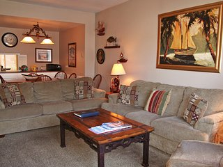 Bright 2 bedroom Condo in Catalina Island with Internet Access - Catalina Island vacation rentals