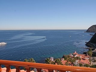Beautiful 2 bedroom Catalina Island Apartment with Television - Catalina Island vacation rentals