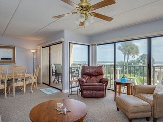Updated ocean front condo with views of ocean, dunes and pool - Jacksonville Beach vacation rentals