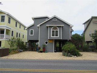 Charming 3 bedroom South Bethany Beach House with Deck - South Bethany Beach vacation rentals