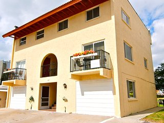 Star of the Gulf - Vacation Home Steps from the Beach - Redington Shores vacation rentals