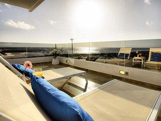 Casa Botavara, lujo frente a la playa - Playa Honda vacation rentals