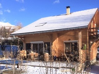 Exquisite wooden house just outside Gap, Hautes-Alpes, w/ Jacuzzi & divine mountain views - sleeps 10 - Gap vacation rentals