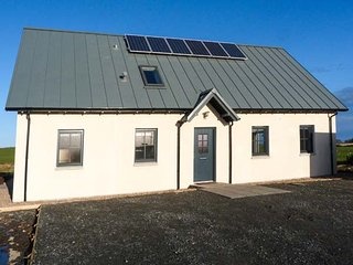 CHANCE INN LODGE wow factor, woodburning stove, fabulous views, in Balmedie - Aberdeen vacation rentals