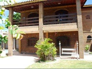 Casa à 30 Metros da Praia de Vilas do Atlântico - Lauro de Freitas vacation rentals