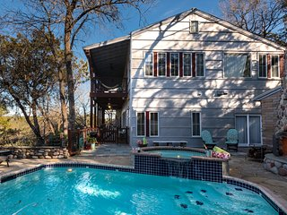 Luxury Guesthouse Cabin Retreat Near the River~7mi 2 Downtn~Lake Austin/Wineries - Austin vacation rentals