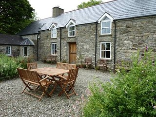 Beautifully Restored Stone Farmhouse in idyllic setting - Rosscarbery vacation rentals