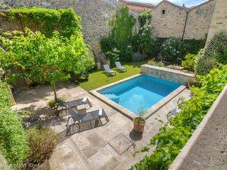 Bastide au calme - Piscine chauffée - Cour intérieure – Climatisation - Bourdic vacation rentals
