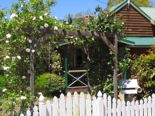 Perfect 1 bedroom Cottage in Kalamunda - Kalamunda vacation rentals