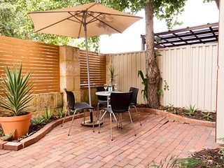 Mount Lawley Apartment - Mount Lawley - Mount Lawley vacation rentals
