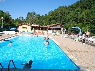 Camping l'Oasis. Emplacements et locatifs sur 10 hectares. Piscine et Rivière - Eclassan vacation rentals