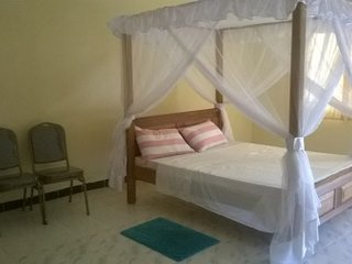 Shared holiday home with 6 hotel rooms in Nyali with free wi-fi &a swimming pool - Bamburi vacation rentals
