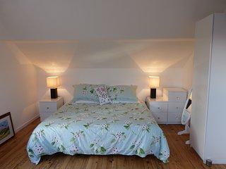 Toulouse Lautrec Studio Apartment with parking close to bars & bistros in Sarlat - Sarlat-la-Canéda vacation rentals