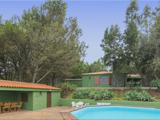 Holiday cottage with private pool in Caideros - Chilanga vacation rentals