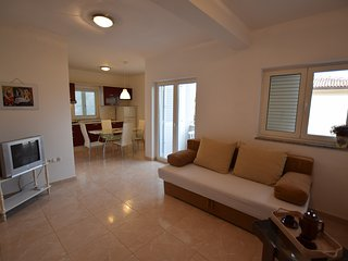 Lovely apartment with balcony and sea view! - Mandre vacation rentals